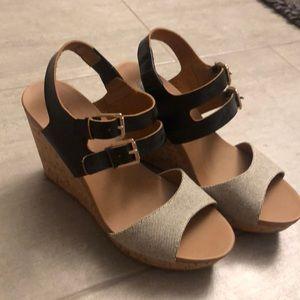 Dr Schollls wedge shoes size 7